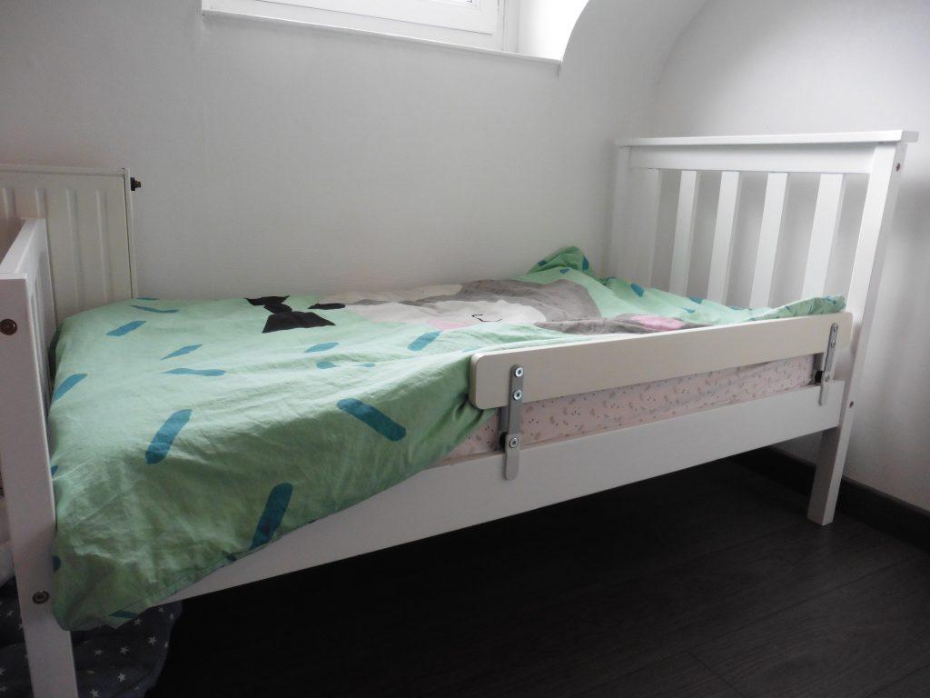 une bonne nuit commence par un bon matelas eve maman cat. Black Bedroom Furniture Sets. Home Design Ideas